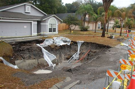 Where Are The Sink Holes In Florida by Here Are 7 Sinkholes In Florida That Will Leave You