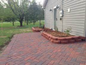 Diy Paver Patio Newlywed Nesters Diy Paver Patio