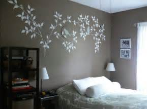 Bedroom Wall Decor Ideas by 7 Bedroom Wall Decorating Ideas For Teenagers Home