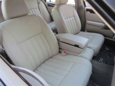 lincoln town car seats for sale sell used 05 lincoln town car signature sedan leather