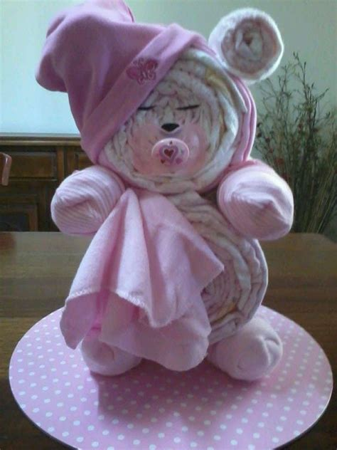 How To Make A Baby Shower Cake Out Of Diapers by 28 Diy Baby Shower Gift Ideas And Tutorials Page 2 Of 4