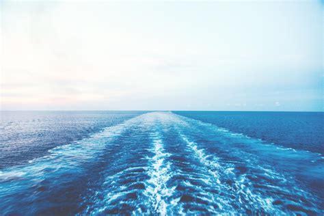 desktop themes sea 20 beautiful ocean wallpapers to freshen up your desktop