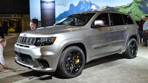 trackhawk jeep hellcat 2018 jeep grand cherokee trackhawk has 707 hp of purring