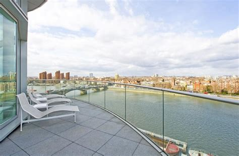 thames river view restaurants rent this 6 200 square foot modern london penthouse for