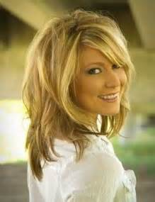 mid length hairsyle for 52 year 20 fabulous hairstyles for medium and shoulder length hair