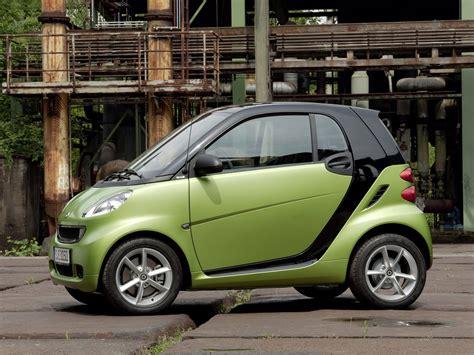 Smart Car Wallpaper Hd by 2011 Smart Fortwo Car Desktop Wallpapers Wallpaper