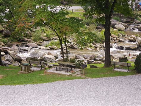 Cabins In Chimney Rock Nc by Chimney Rock Vacation Rentals Lake Lure Lodging Bat