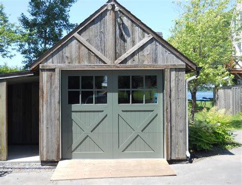 Porte Garage Bois by Les 25 Meilleures Id 233 Es Concernant Portes De Garage En