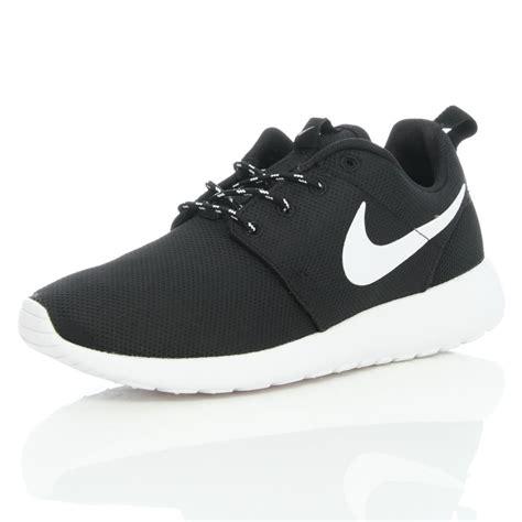 Nike White Black nike roshe run white and black cliftonrestaurant co uk