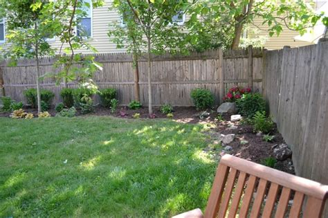 Backyard Corner Fence Landscaping Ideas ? Roof, Fence & Futons