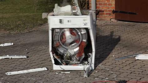 Stein In Waschmaschine by Waschmaschine Vs Betonstein Washing Machine Vs Brick