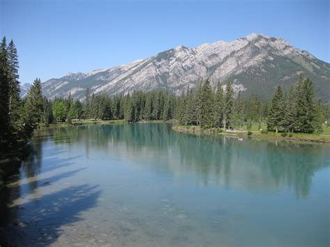 File:Bow River 1.jpg - Wikimedia Commons
