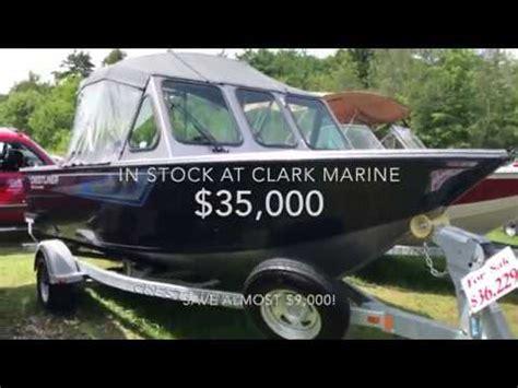 crestliner boats youtube 2016 crestliner 1850 commander youtube