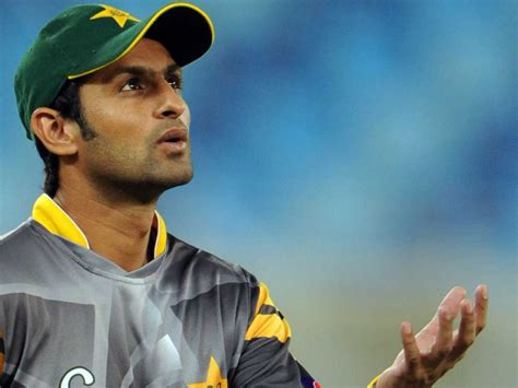 pakistans shoaib malik retires from test cricket times breaking news shoaib malik retires says goodbye to test