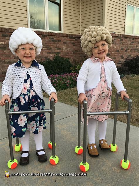easy diy adorable twin  ladies  lady halloween