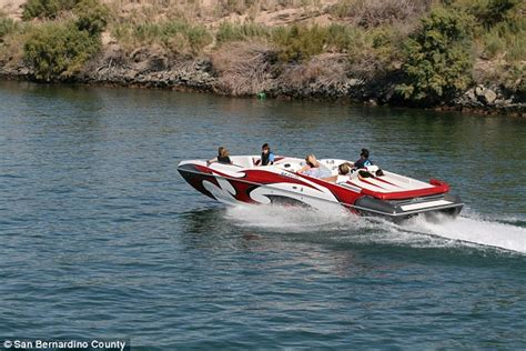 boat crash in needles 13 hurt and 2 missing after colorado river boat crash