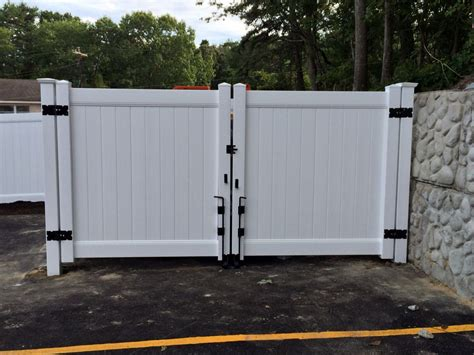 12 Foot Vinyl Gate by White Solid Privacy Vinyl Dumpster Enclosure And 12 Wide