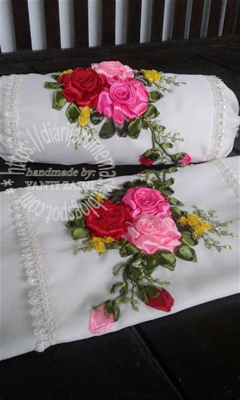 Sarung Bantal Sofa Pink Roses diari jarum emasku