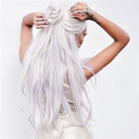 Hairstyles For White Hair by 25 Best Ideas About White Hair On Curls