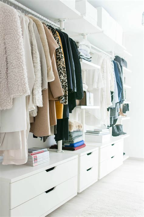 offener kleiderschrank in kleinem zimmer 30 chic and modern open closet ideas for displaying your