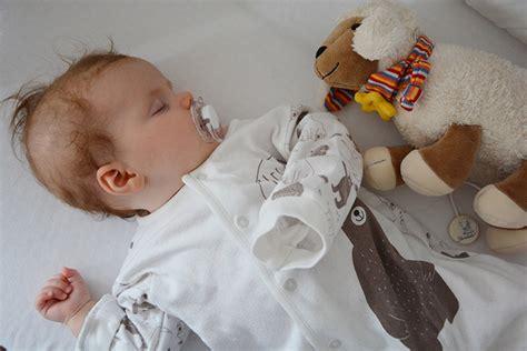schlafen lernen baby schlafen lernen f 252 r babys tipps und tricks