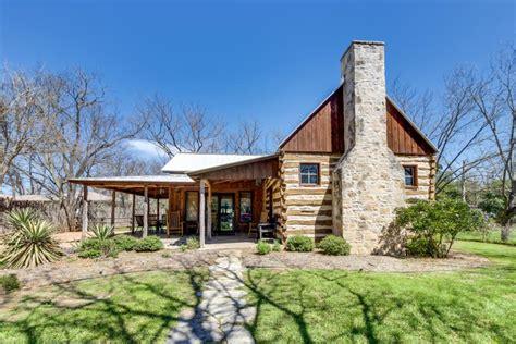 Cabin Rentals In Fredericksburg Tx by S Cabin 2 Bd Vacation Rental In Fredericksburg