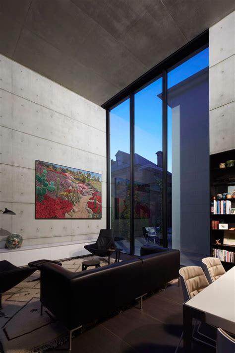 desain rumah dengan plafon tinggi manfaat void pada desain interior rumah huni desain
