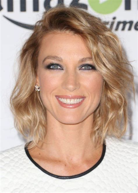 back of joelle carters hair 25 best ideas about natalie zea on pinterest joelle