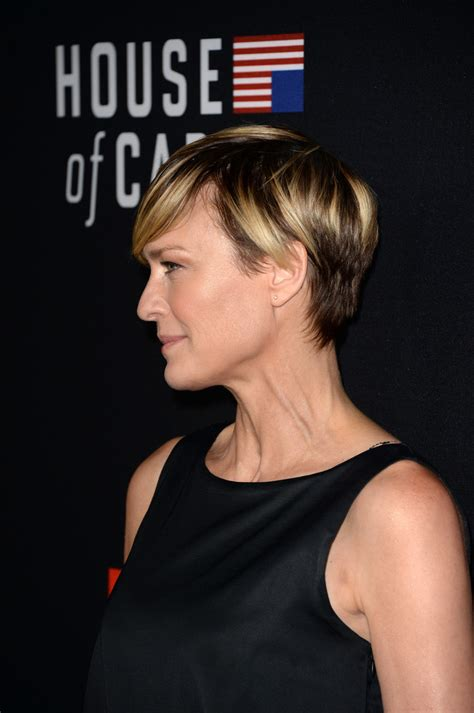 house of cards season 3 robin penns hair more pics of robin wright short cut with bangs 21 of 27