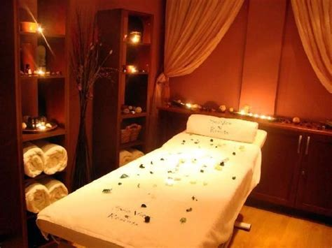 spa themed bedroom decorating ideas 25 best ideas about spa room decor on makeup