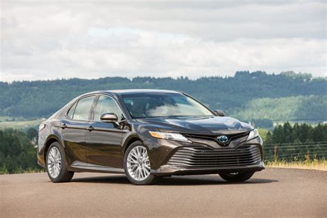 2018 camry xle 2018 toyota camry xle hybrid forget what you think you
