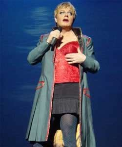 Cross Dresser Comedian by Comedian Eddie Izzard Wants To Stand As An Mp