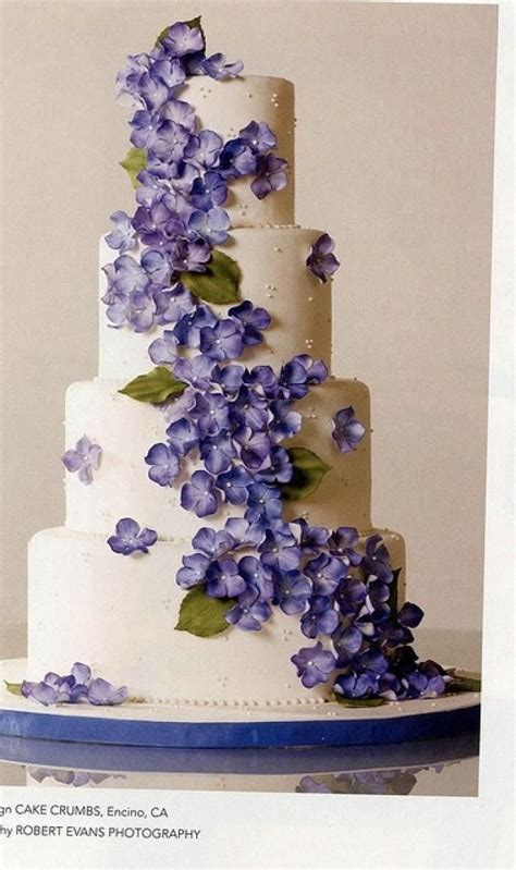 hydrangea cake hydrangea wedding cake fabulous weddings