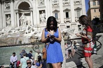 mobile italy italian mobile deal would help hutchison whoa credit