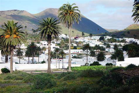 lanzarote turisti per caso haria tra africa e spagna viaggi vacanze e turismo