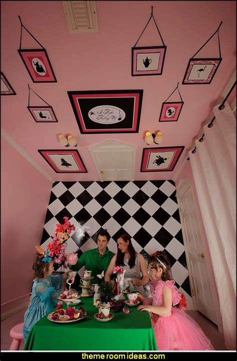 alice in wonderland bedroom wallpaper decorating theme bedrooms maries manor alice in