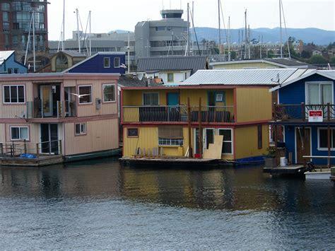 pontoon boats vancouver bc vancouver bc houseboat living houseboats pinterest