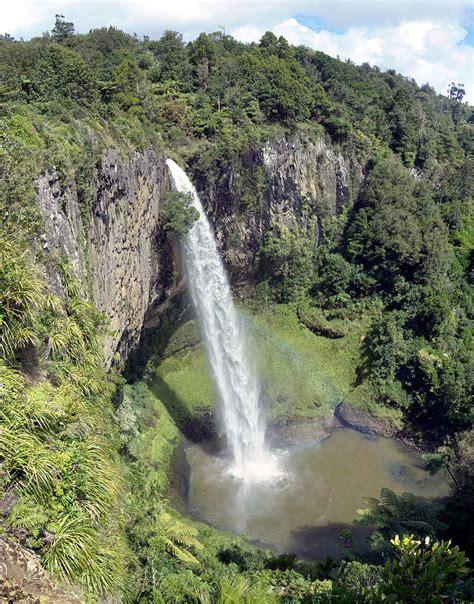 Raglan 5fdwc Colombia Team 01 geography new zealand waterfalls