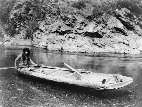 types of native american boats canoe types uses britannica