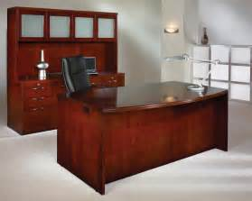 Used Office Desk Furniture Find Out How To Find The Executive Desk For Your Business Used Office Furniture Cleveland
