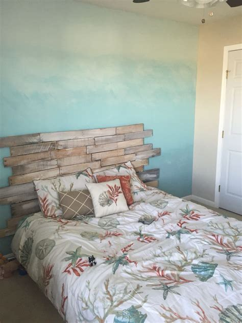 Themed Headboards by 25 Best Ideas About Headboard On