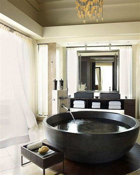 Big Bathtubs With Showers by 25 Best Ideas About Large Bathtubs On Large