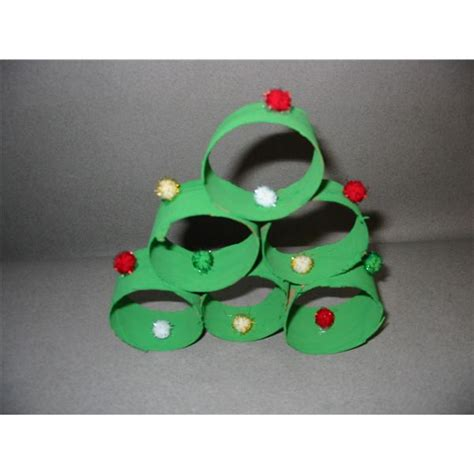 christmas tree crafts preschool 5 preschool crafts teaching shapes colors 3d tree paper chains cd