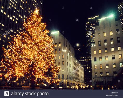 is the tree up in rockefeller center when is the tree in rockefeller center lit 28 images