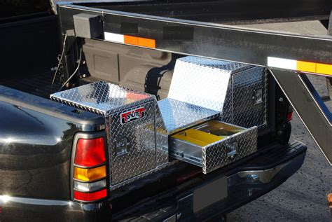 bed of truck goose neck truck tailgate tool box