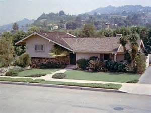 Bi Level House Floor Plans brady bunch house in california ransacked by burglars