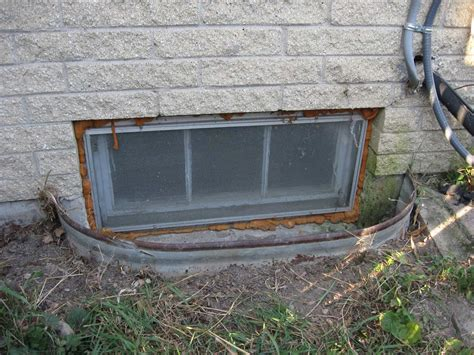 Basement Window Well 4 Leaking Window Well Nusite Waterproofing Contractors