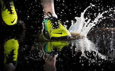 Nike Sport Running wallpapers running nike sport sneakers spray puddle closeup