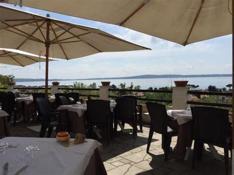 terrazze sul lago trevignano salottino interno foto di ristorante le terrazze sul