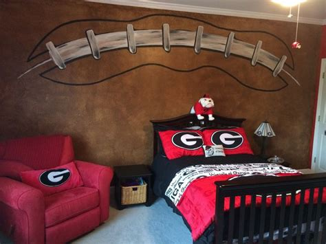 georgia bulldog bedroom ideas 25 unique football wall ideas on pinterest kids sports